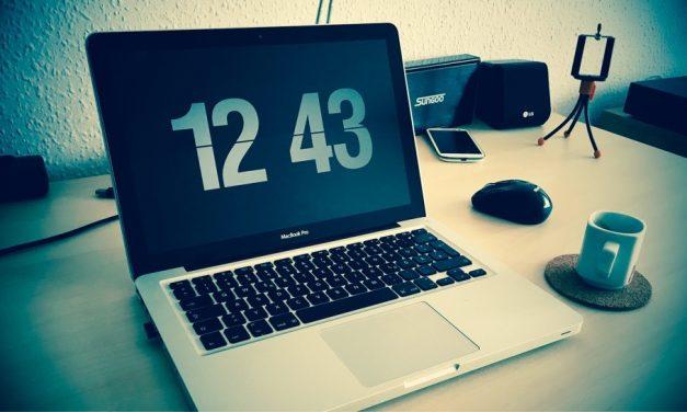 TOP 2016: egy retró és egy futurisztikus képernyőkímélő óra